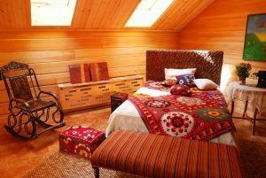 cozy bedroom ideas form modest home